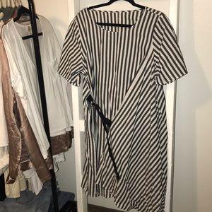 Striped dress! ❤️